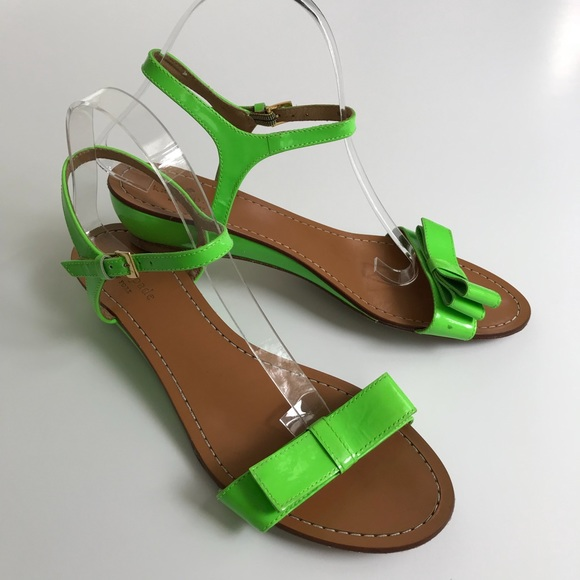 Vonya Sandals Green Bow Size 9